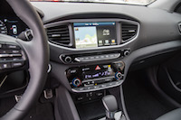 2017 Hyundai Ioniq Hybrid display