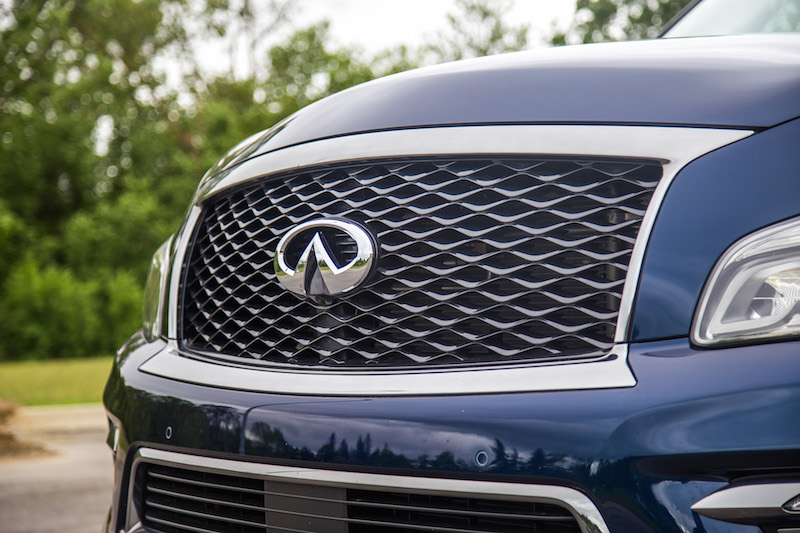 2017 Infiniti QX80 Limited front grill