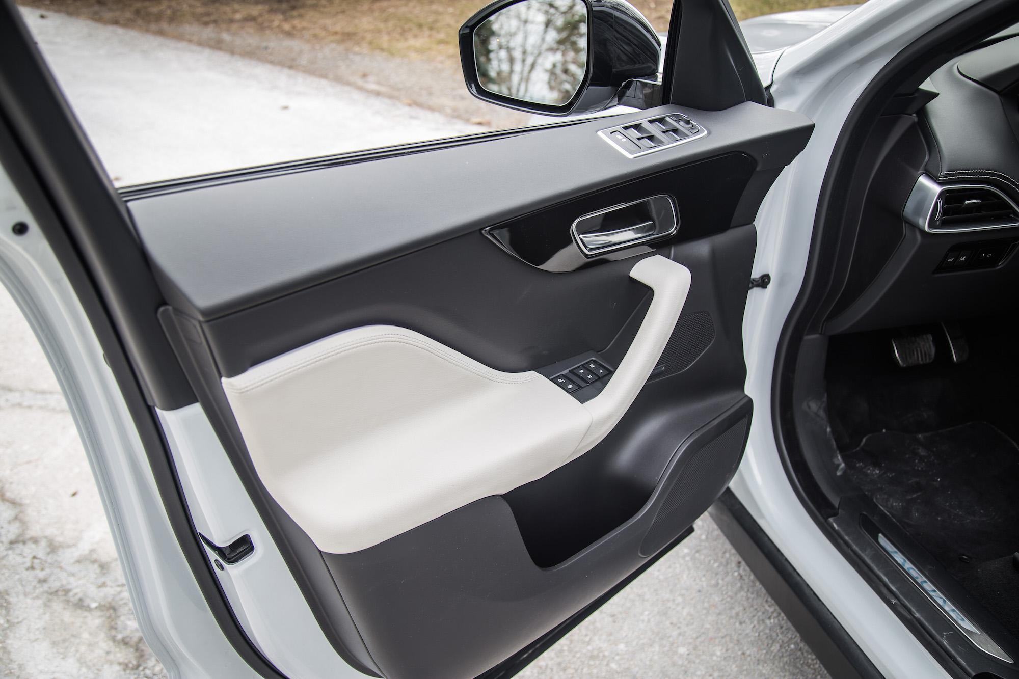 Jaguar Suv F Pace >> Review: 2017 Jaguar F-Pace R-Sport | Canadian Auto Review