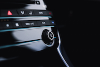Jaguar XE 20d R-Sport volume button
