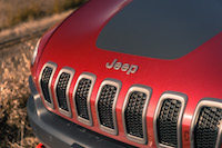 2017 Jeep Cherokee Trailhawk black hood