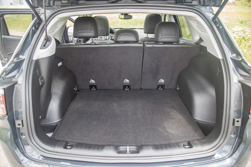 2017 Jeep Compass Trailhawk trunk space