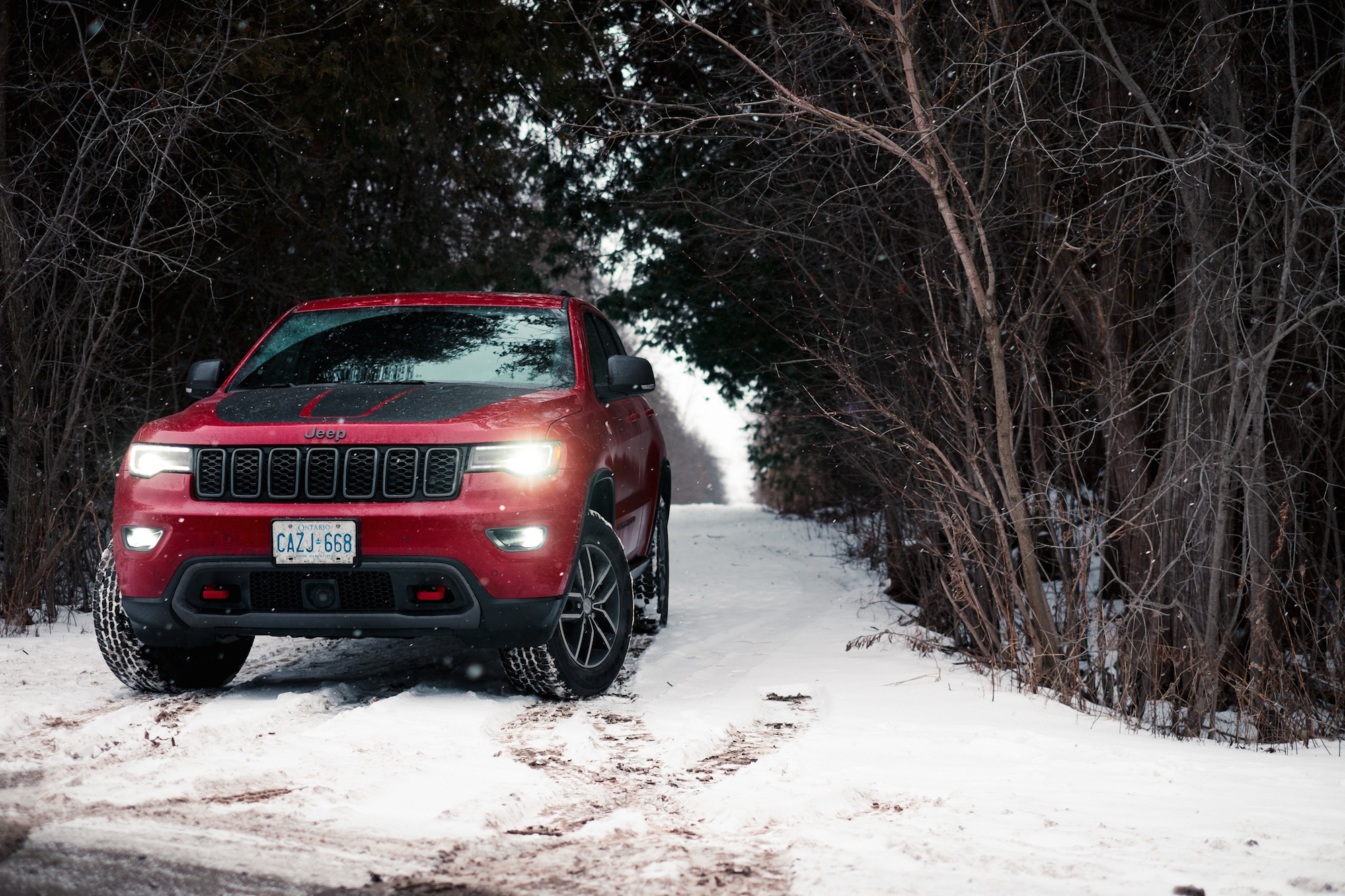 Gc Trailhawk Fs on Jeep Grand Cherokee Hood