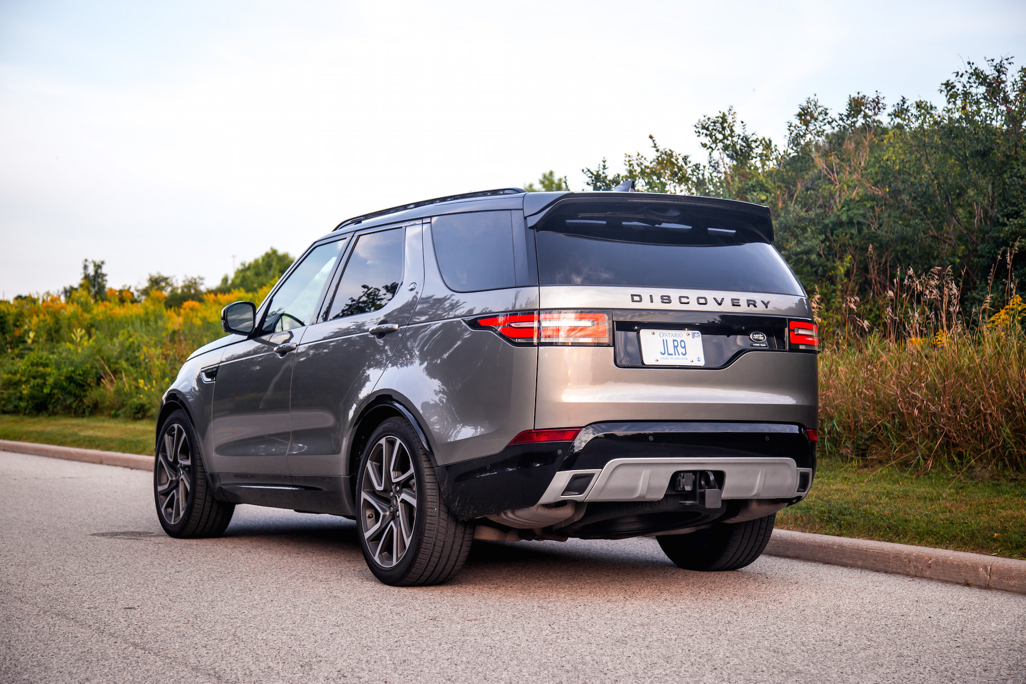Review 2017 Land Rover Discovery HSE Si6