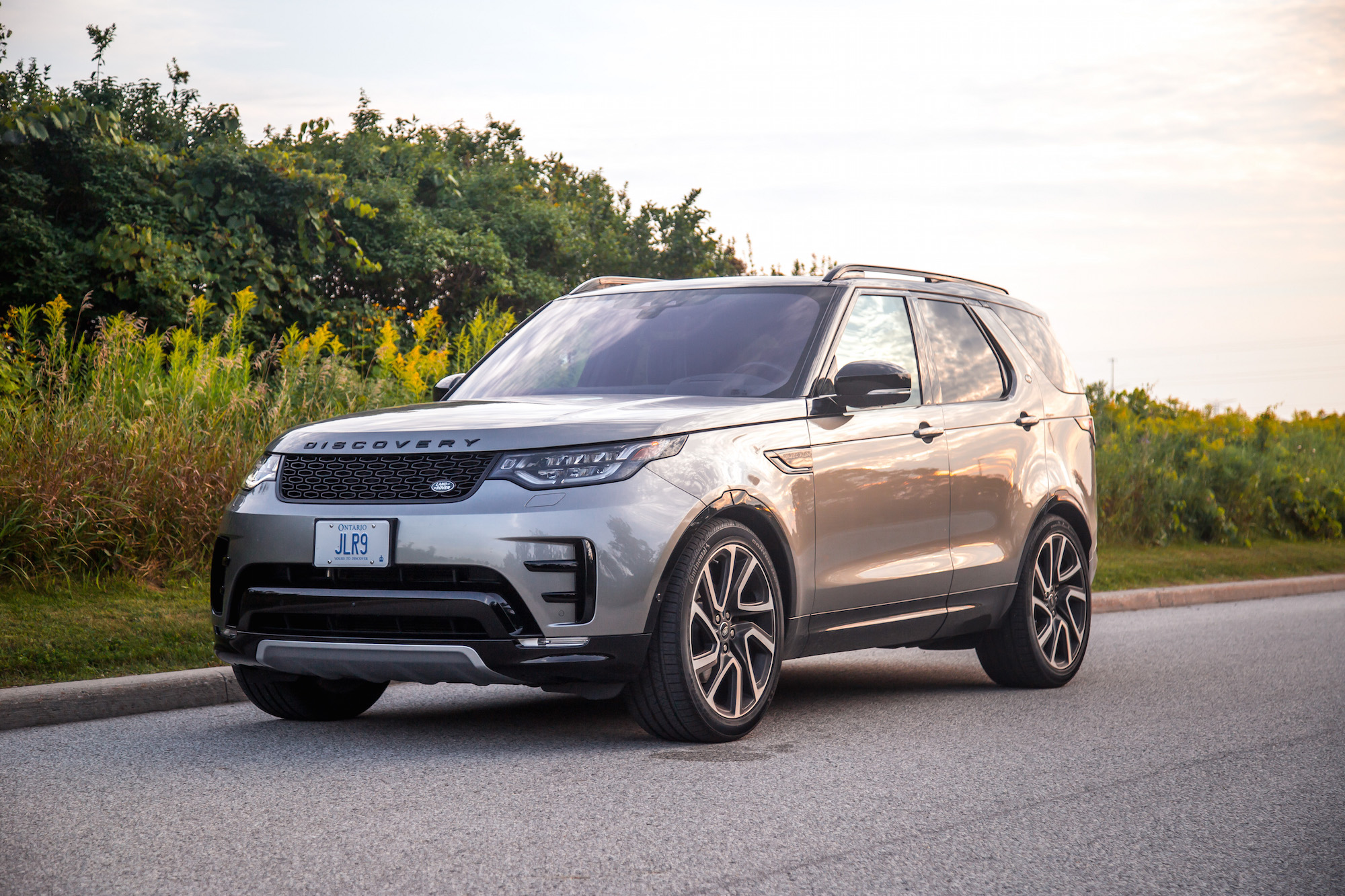 2019 Land Rover Discovery: New Car Review - Autotrader