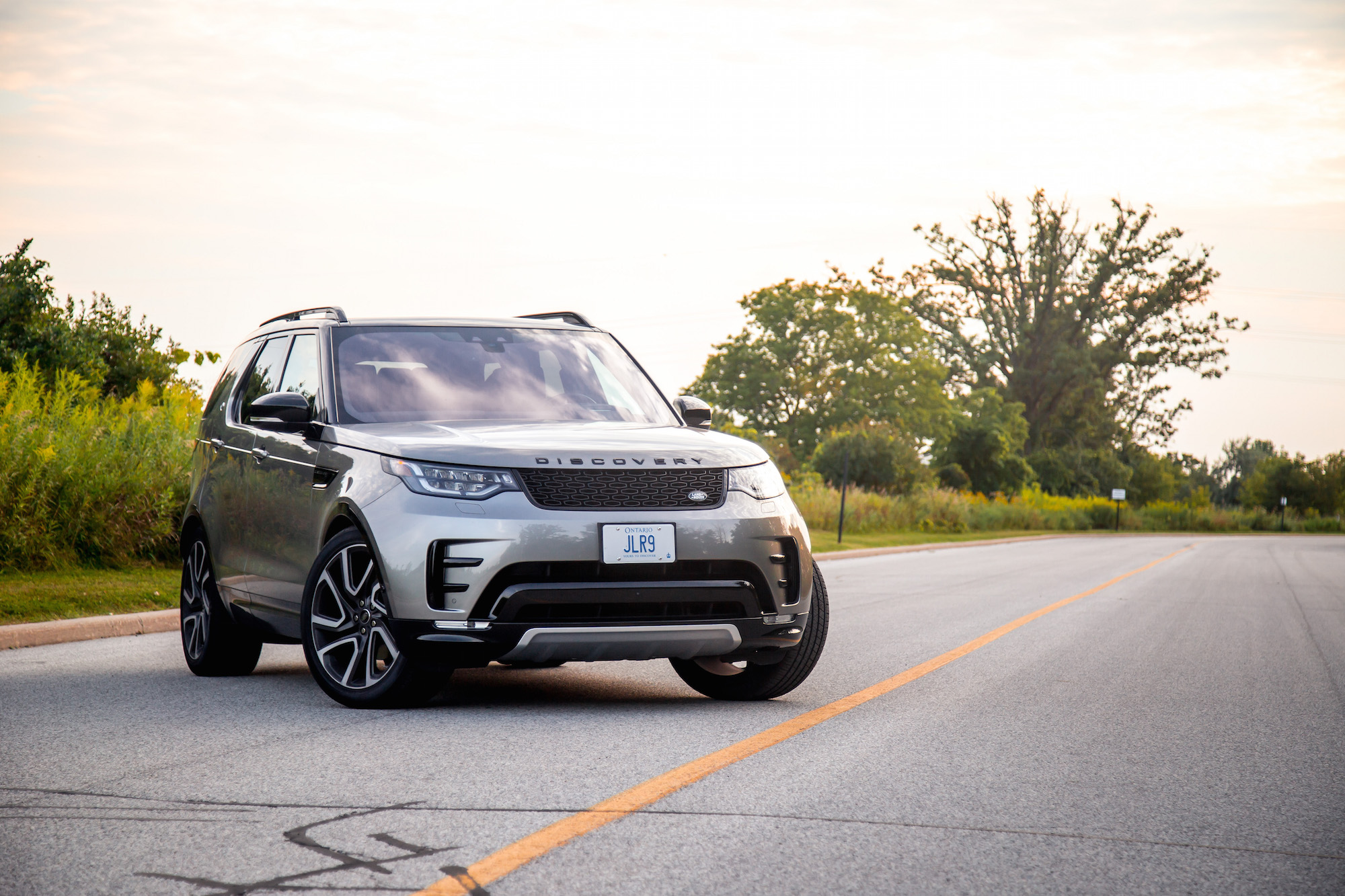 2018 Range Rover Hse >> Review: 2017 Land Rover Discovery HSE Si6 | Canadian Auto Review