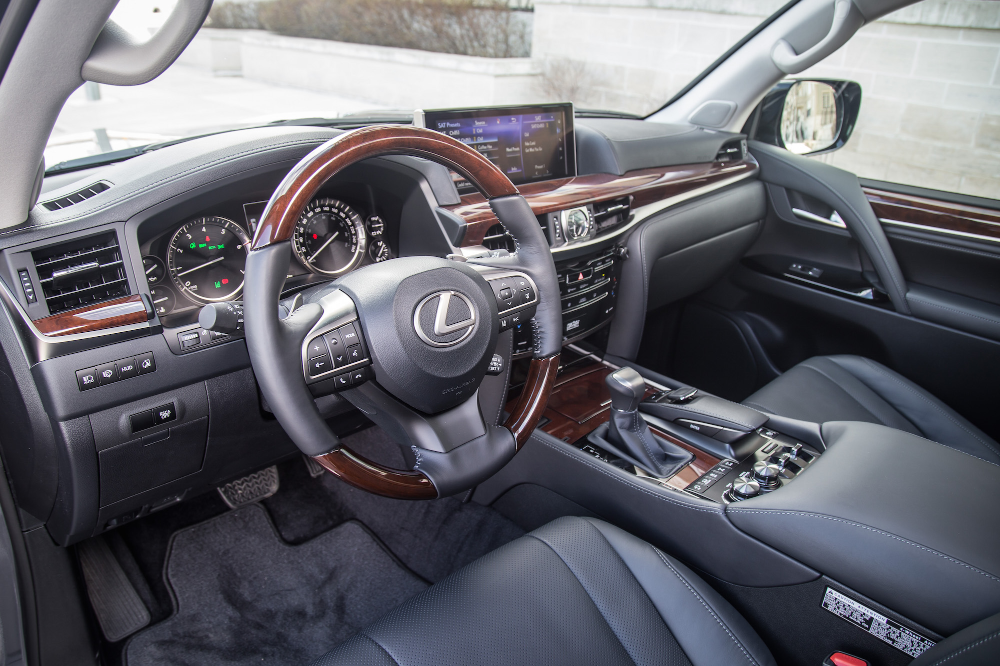 Review 2017 Lexus Lx 570 Canadian Auto Review