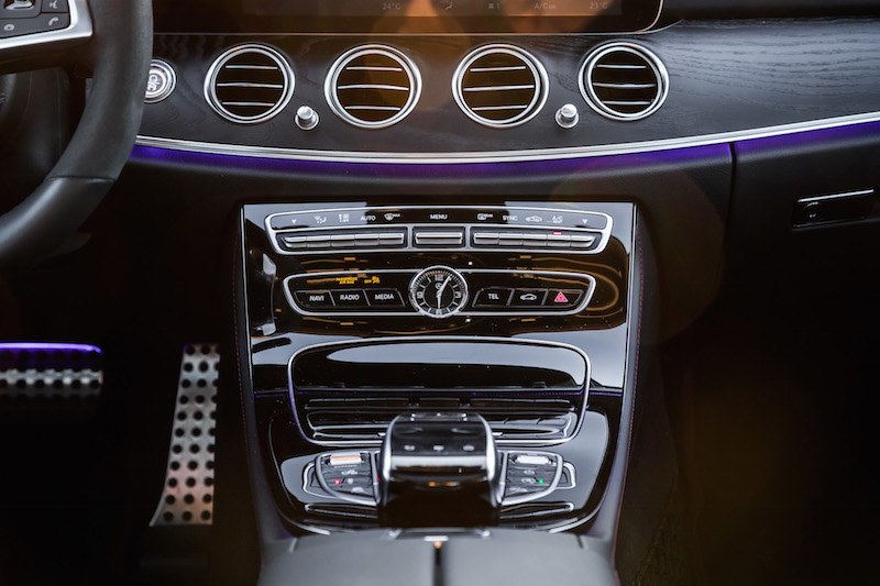 2017 Mercedes-AMG E43 center console analog clock