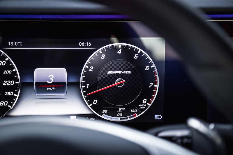 2017 Mercedes-AMG E43 tachometer digital