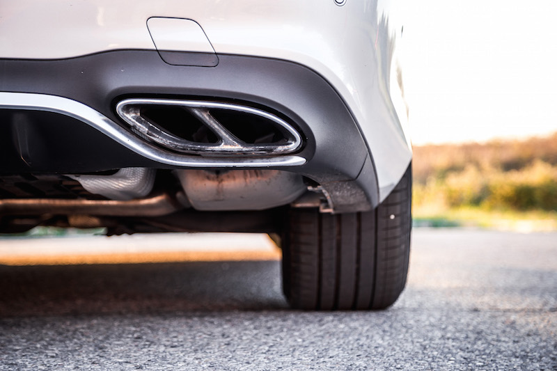 2017 Mercedes-AMG E43 dual exhaust tips