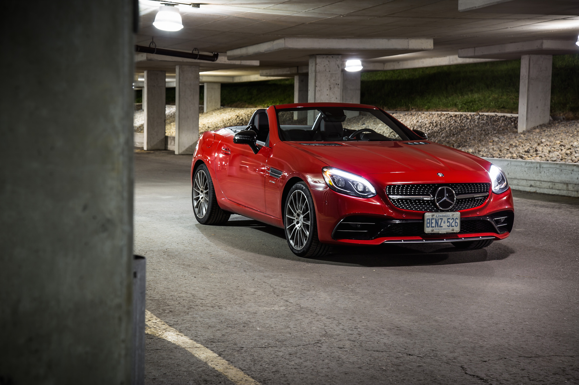 http://www.canadianautoreview.ca/images/car_photos/2017-mercedes-amg-slc-43/normal/mercedes-amg-slc-43-fs1.jpg