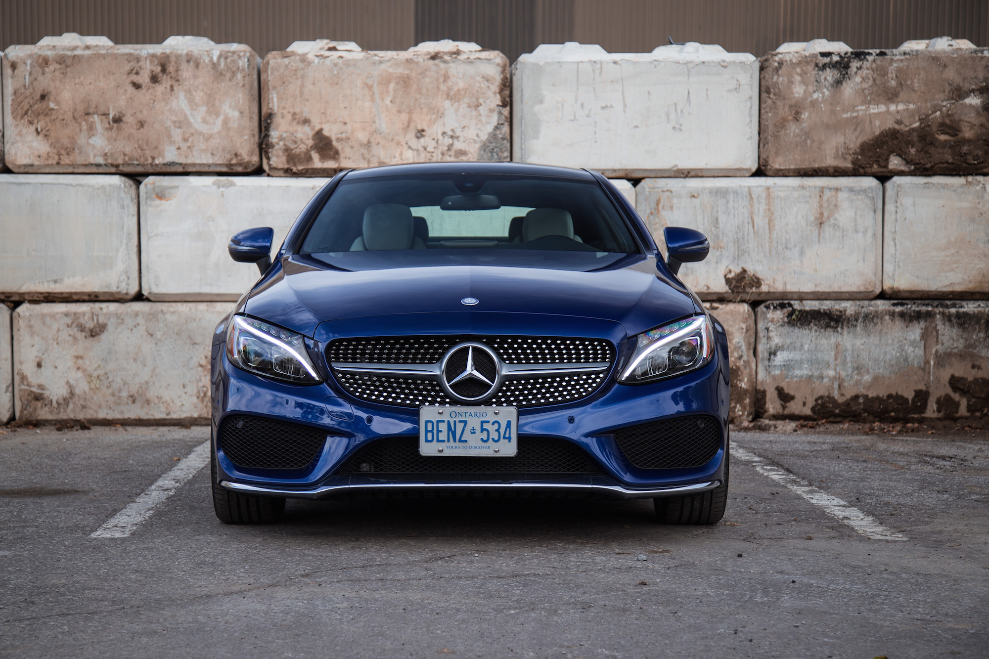 http://www.canadianautoreview.ca/images/car_photos/2017-mercedes-benz-c-class-coupe/normal/c-class-coupe-sport-package.jpg