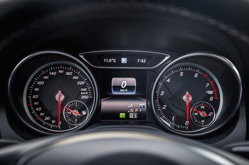 2017 Mercedes-Benz CLA 250 4MATIC gauges