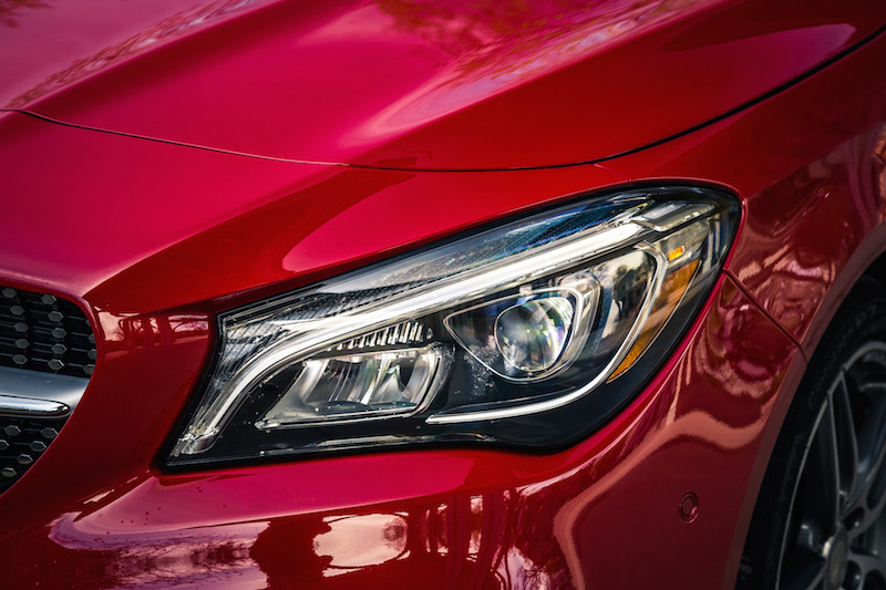 2017 Mercedes-Benz CLA 250 4MATIC front headlights