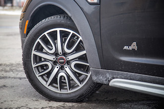2017 MINI Cooper S Countryman jcw 18-inch wheels