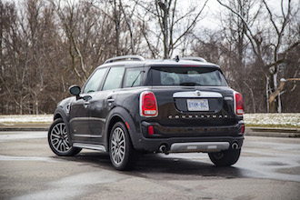 2017 MINI Cooper S Countryman black paint