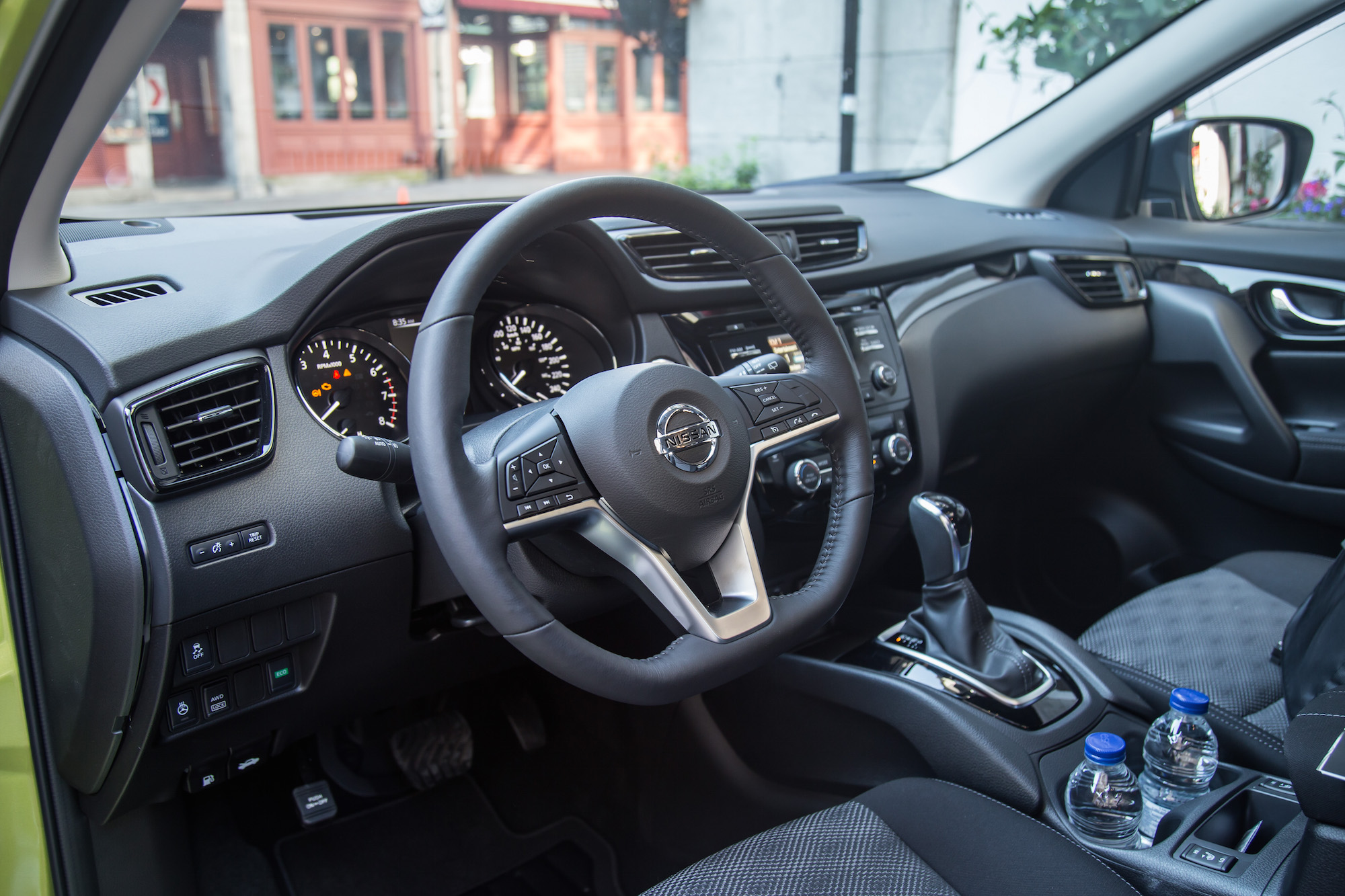 100 nissan qashqai 2015 interior time well spent for Interior nissan qashqai