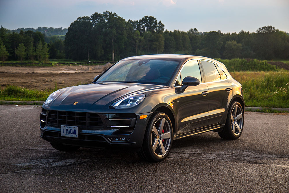 2017 Porsche Macan Turbo with Performance Package canada review