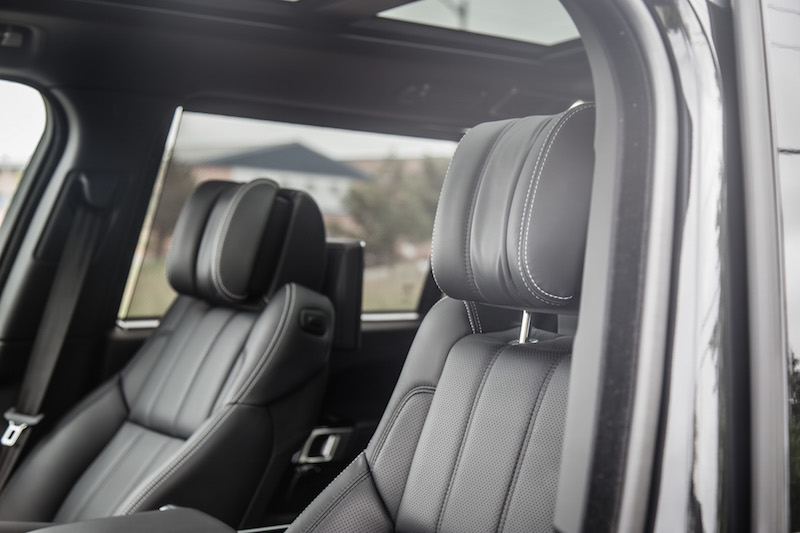 2017 Range Rover LWB Autobiography winged headrests
