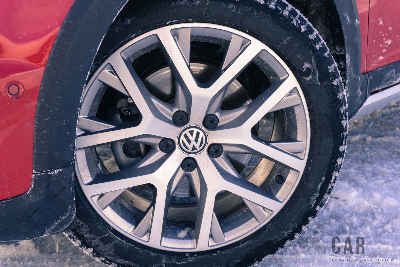 review  volkswagen golf alltrack canadian auto review