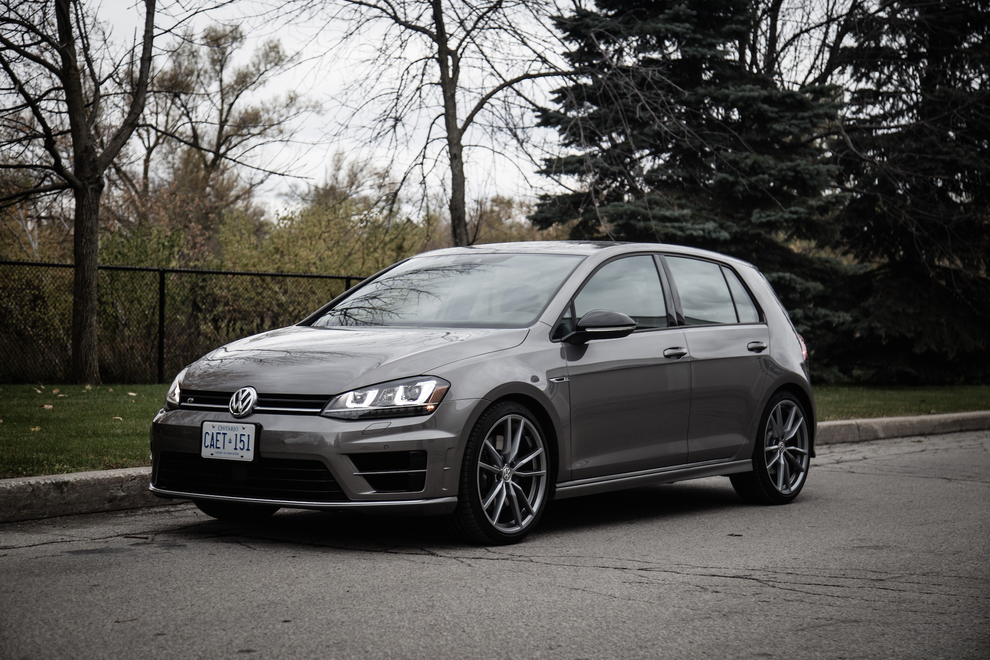 Review: 2017 Volkswagen Golf R | Canadian Auto Review