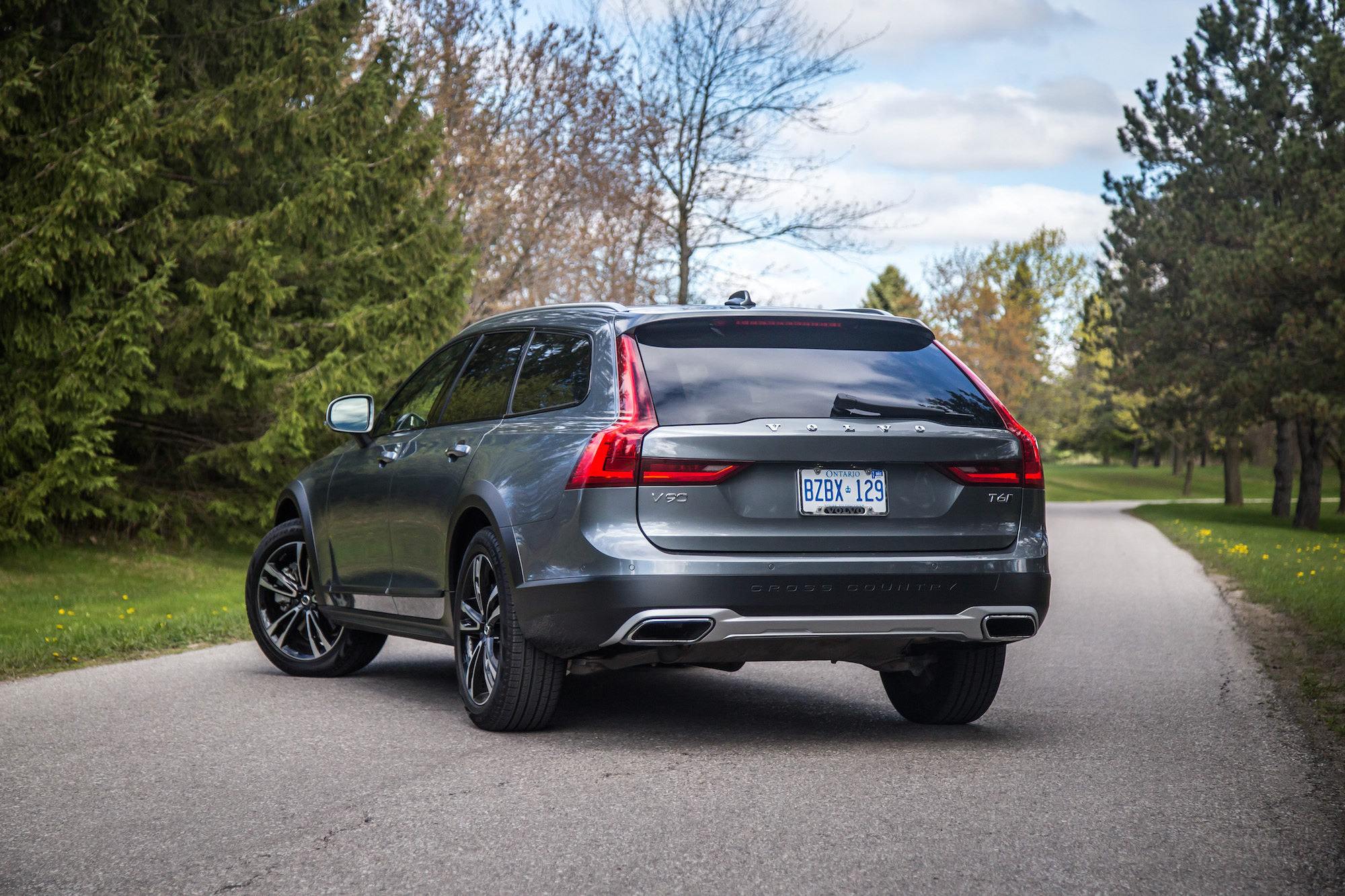 review 2017 volvo v90 cross country canadian auto review. Black Bedroom Furniture Sets. Home Design Ideas