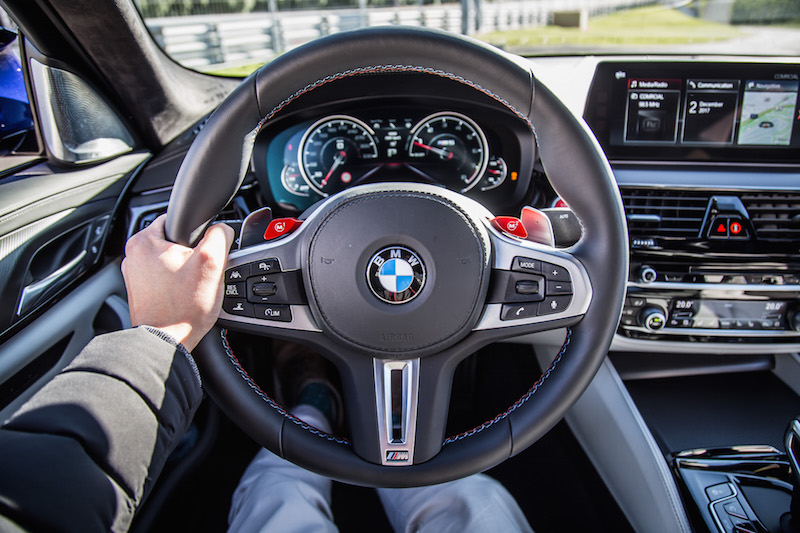BMW f90 steering wheel interior