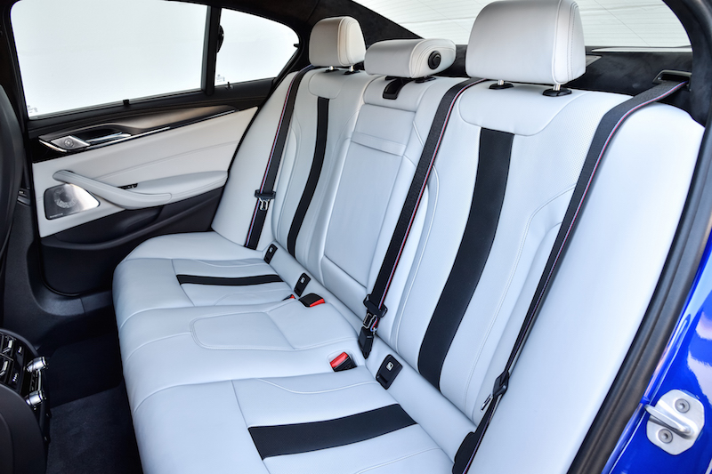 2018 BMW M5 F90 rear seat legroom