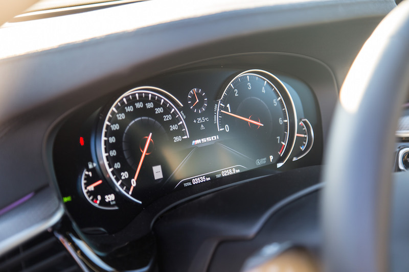 2018 BMW M550i xDrive digital gauges