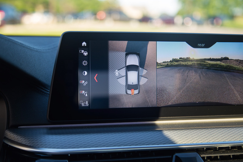 2018 BMW M550i xDrive surround view 360 camera
