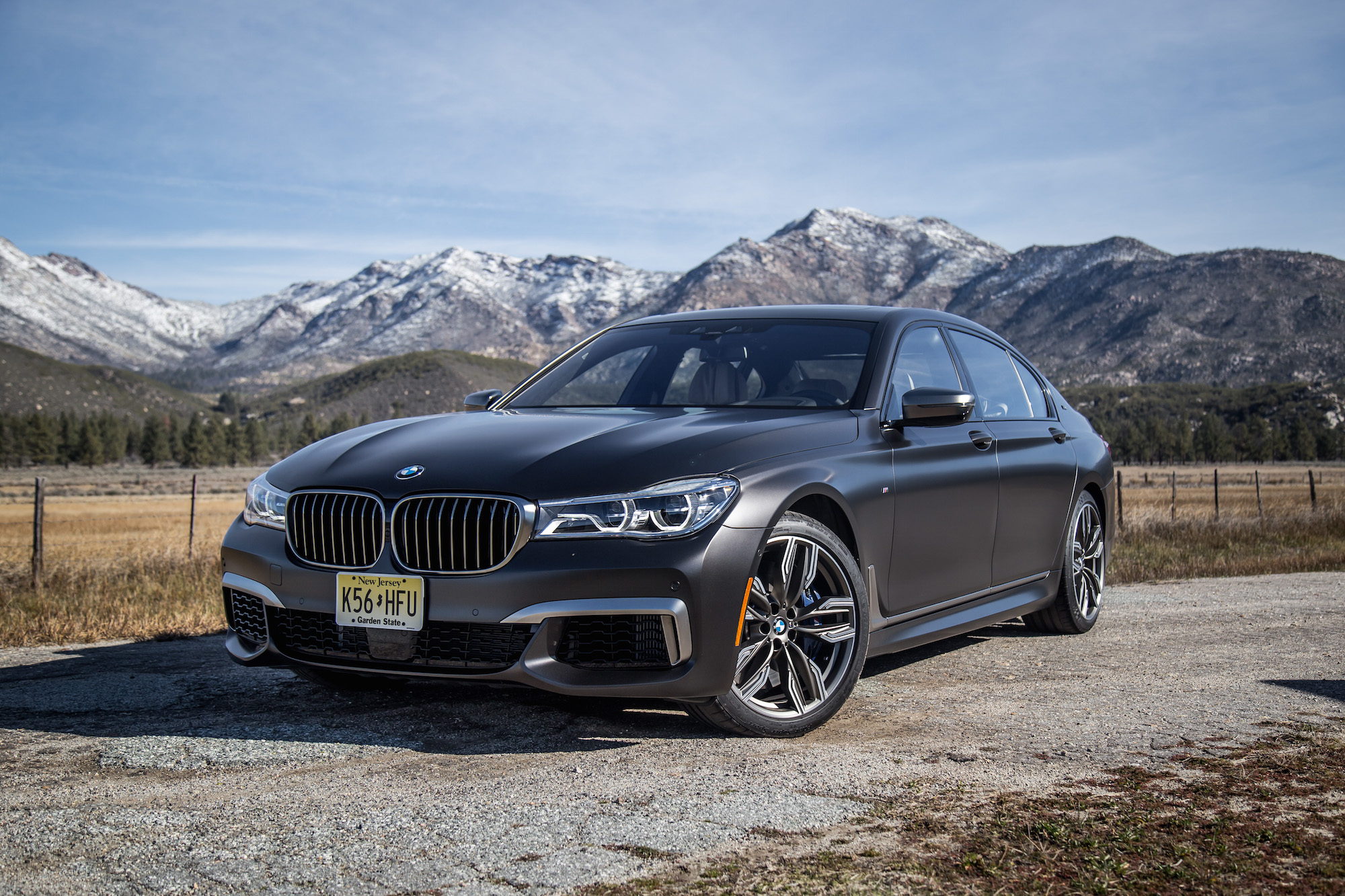 first drive 2018 bmw m760li xdrive canadian auto review. Black Bedroom Furniture Sets. Home Design Ideas