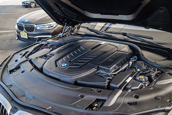 BMW M760Li xDrive m performance v12 engine