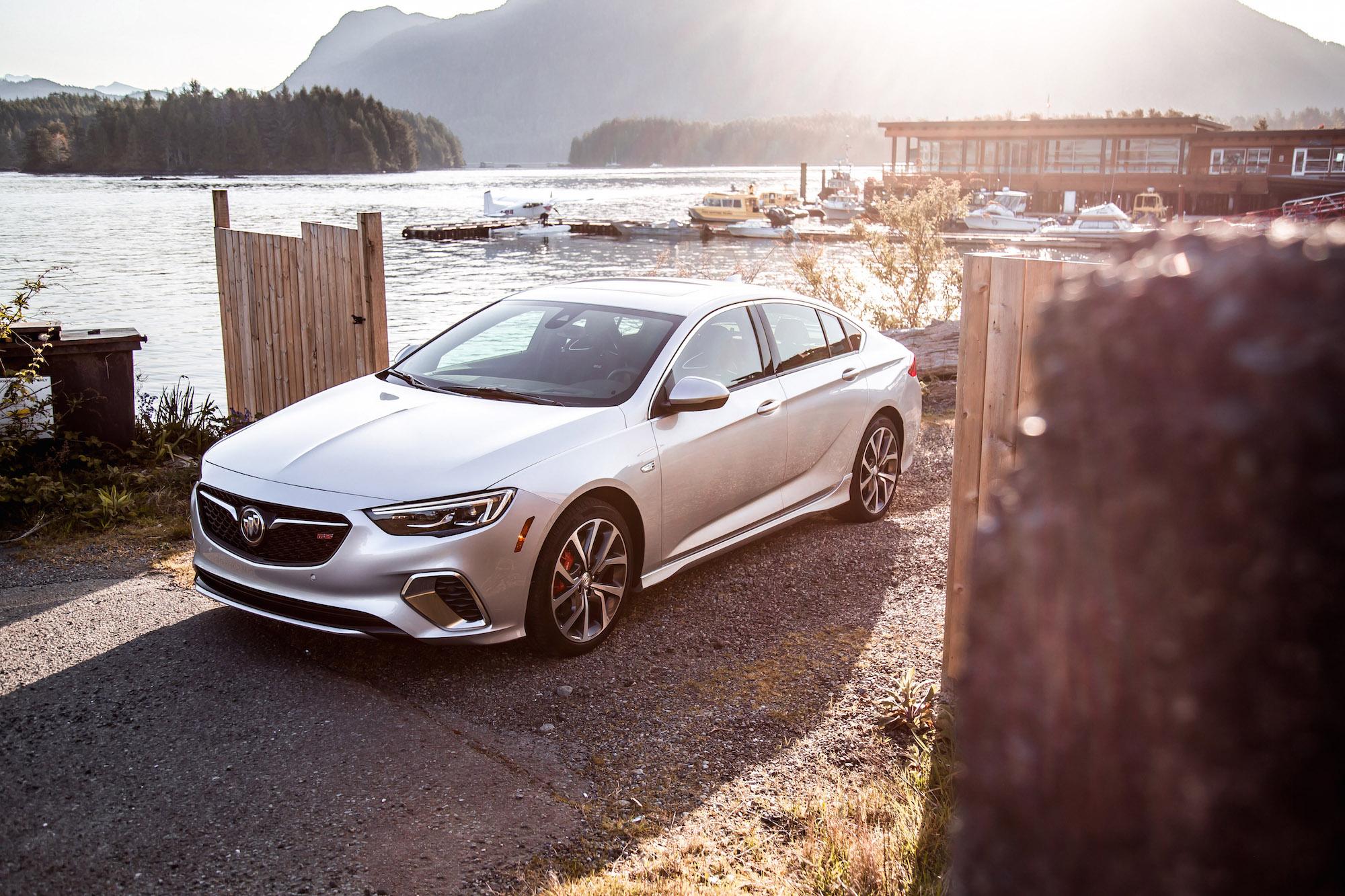 Honda Accord 2018 Spec >> 2018 Buick Regal Sportback / GS First Drive | CAR