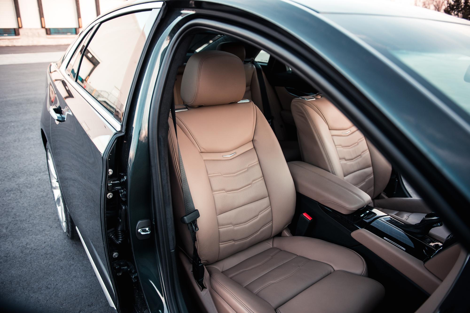Cadillac Cts V >> Review: 2018 Cadillac XTS V-Sport Platinum | CAR