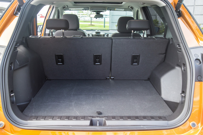 2018 Chevrolet Equinox trunk space cargo