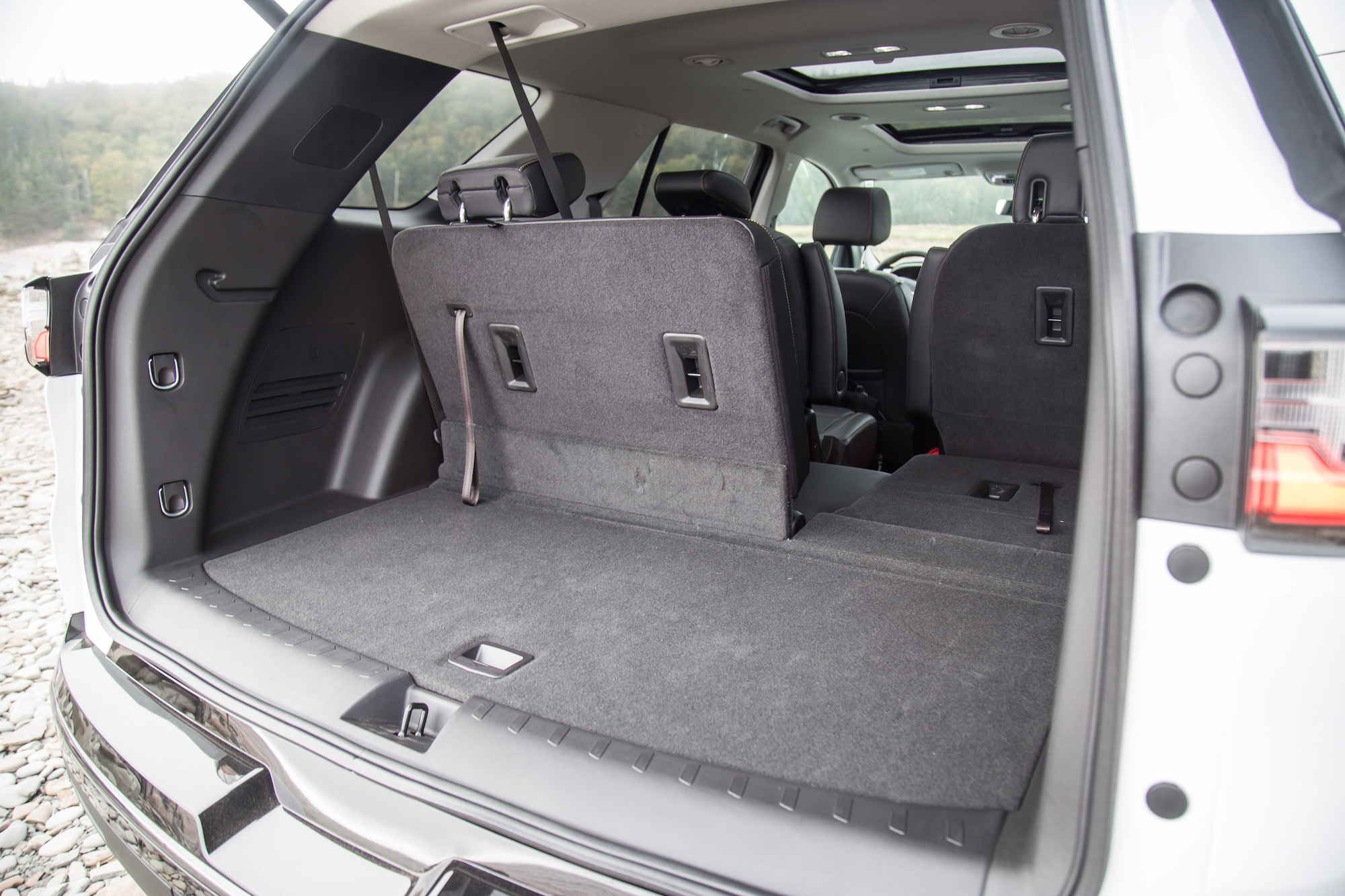 2018 chevrolet traverse trunk space cargo