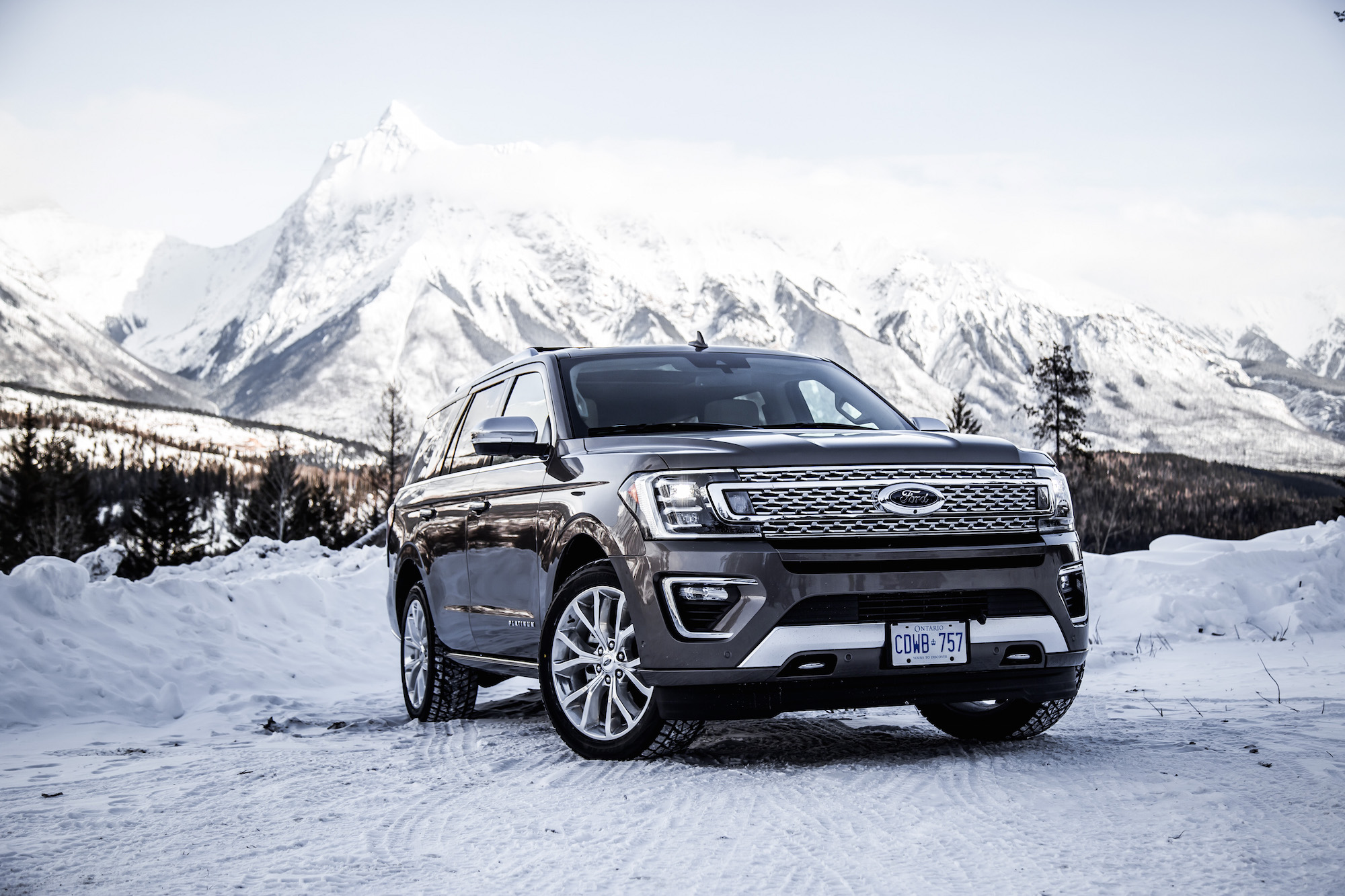 Ford Expedition Uphill Offroad Snow  Ford Expedition Platinum