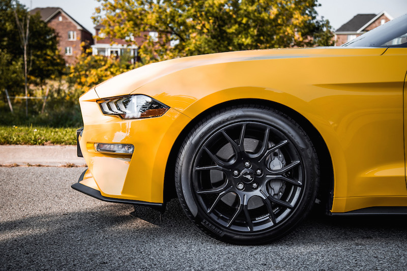 2018 Ford Mustang EcoBoost Convertible pirelli p zero tires