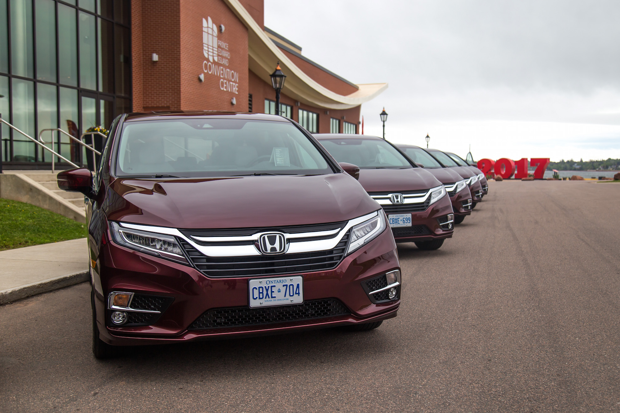 first drive 2018 honda odyssey canadian auto review. Black Bedroom Furniture Sets. Home Design Ideas