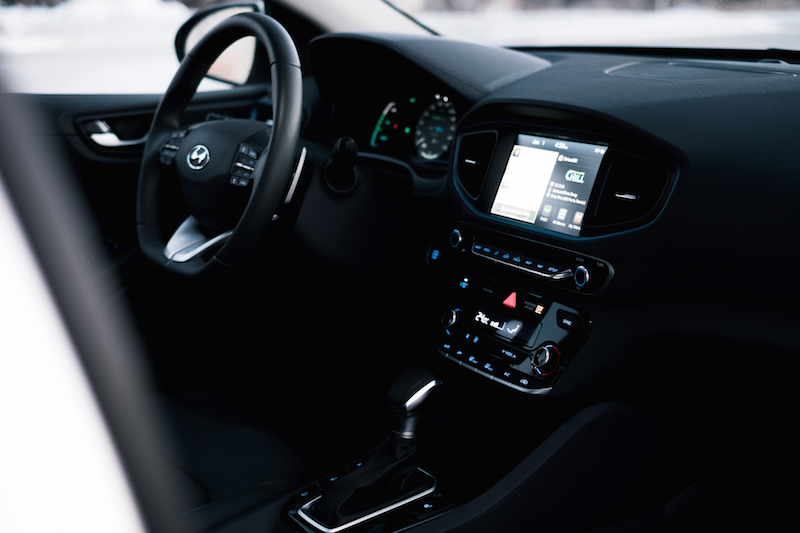 2018 Hyundai Ioniq PHEV Limited dashboard screen display