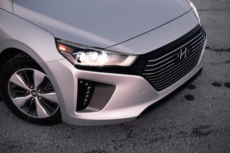 2018 Hyundai Ioniq PHEV Limited headlights