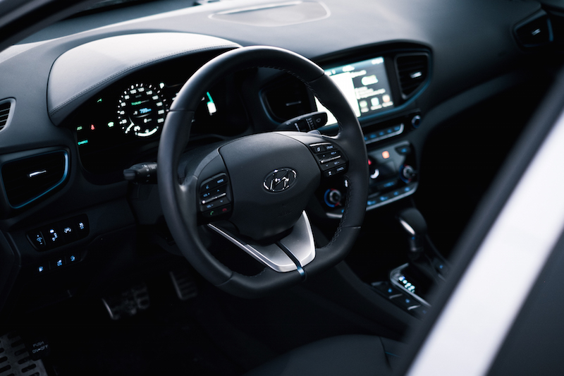 2018 Hyundai Ioniq PHEV Limited steering wheel