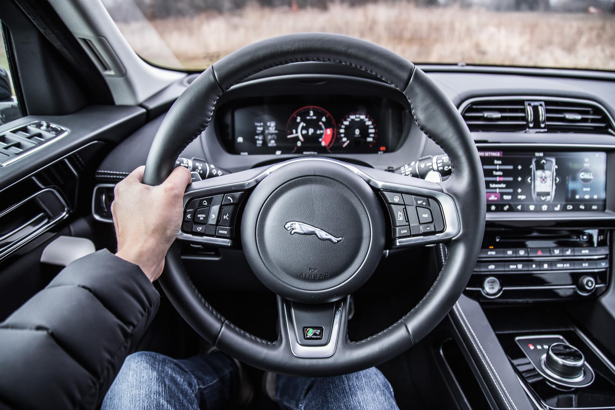 pace jaguar 20d pov sport normal specifications steering wheel