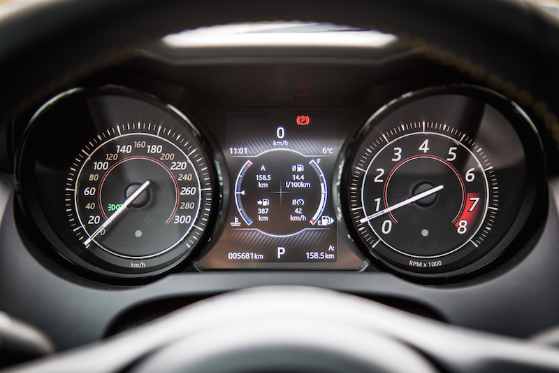 2018 Jaguar F-Type 400 Sport Coupe gauges tach soeedo