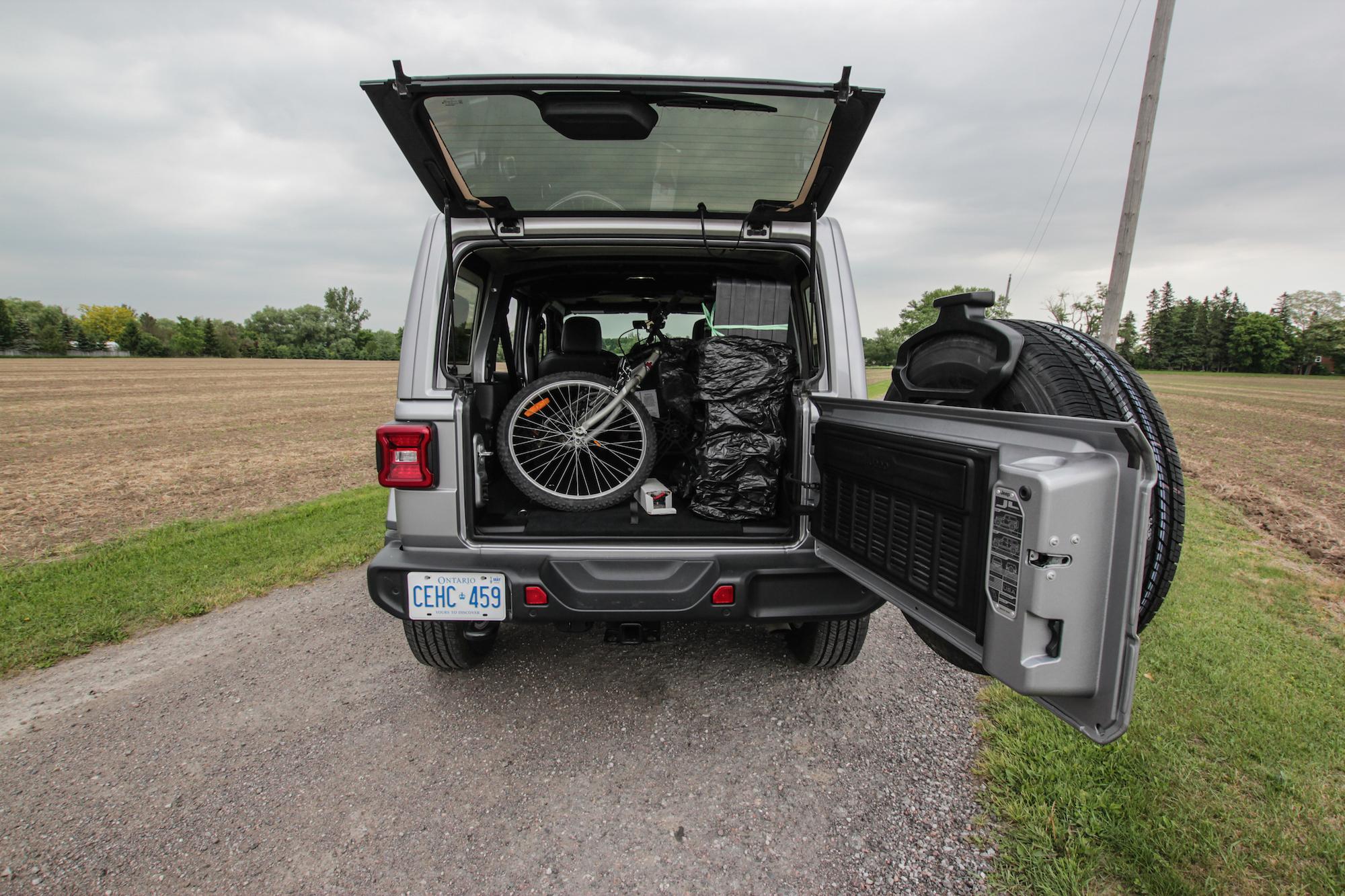 review 2018 jeep wrangler sahara unlimited car. Black Bedroom Furniture Sets. Home Design Ideas
