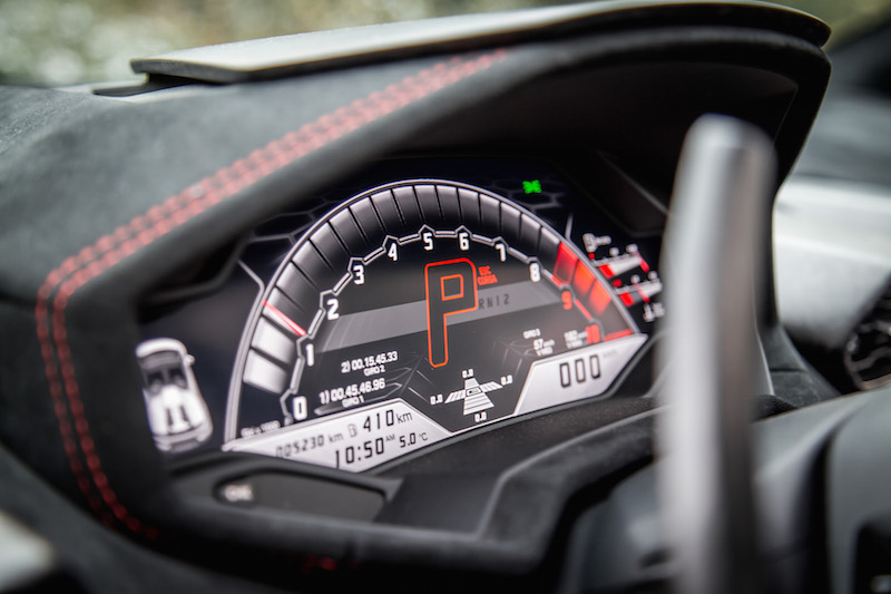 2018 Lamborghini Huracan Performante Spyder gauges