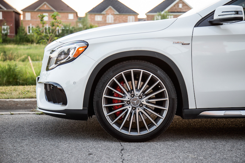 2018 Mercedes-AMG GLA45 20-inch wheels
