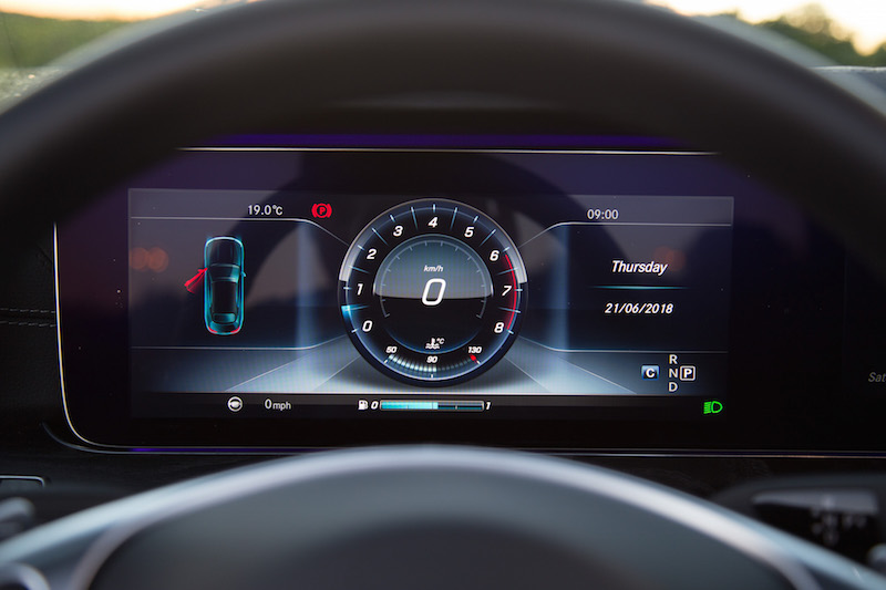 2018 Mercedes-Benz E400 Cabriolet gauges digital