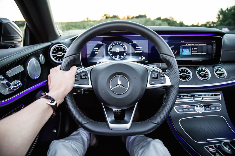 2018 Mercedes-Benz E400 Cabriolet steering wheel