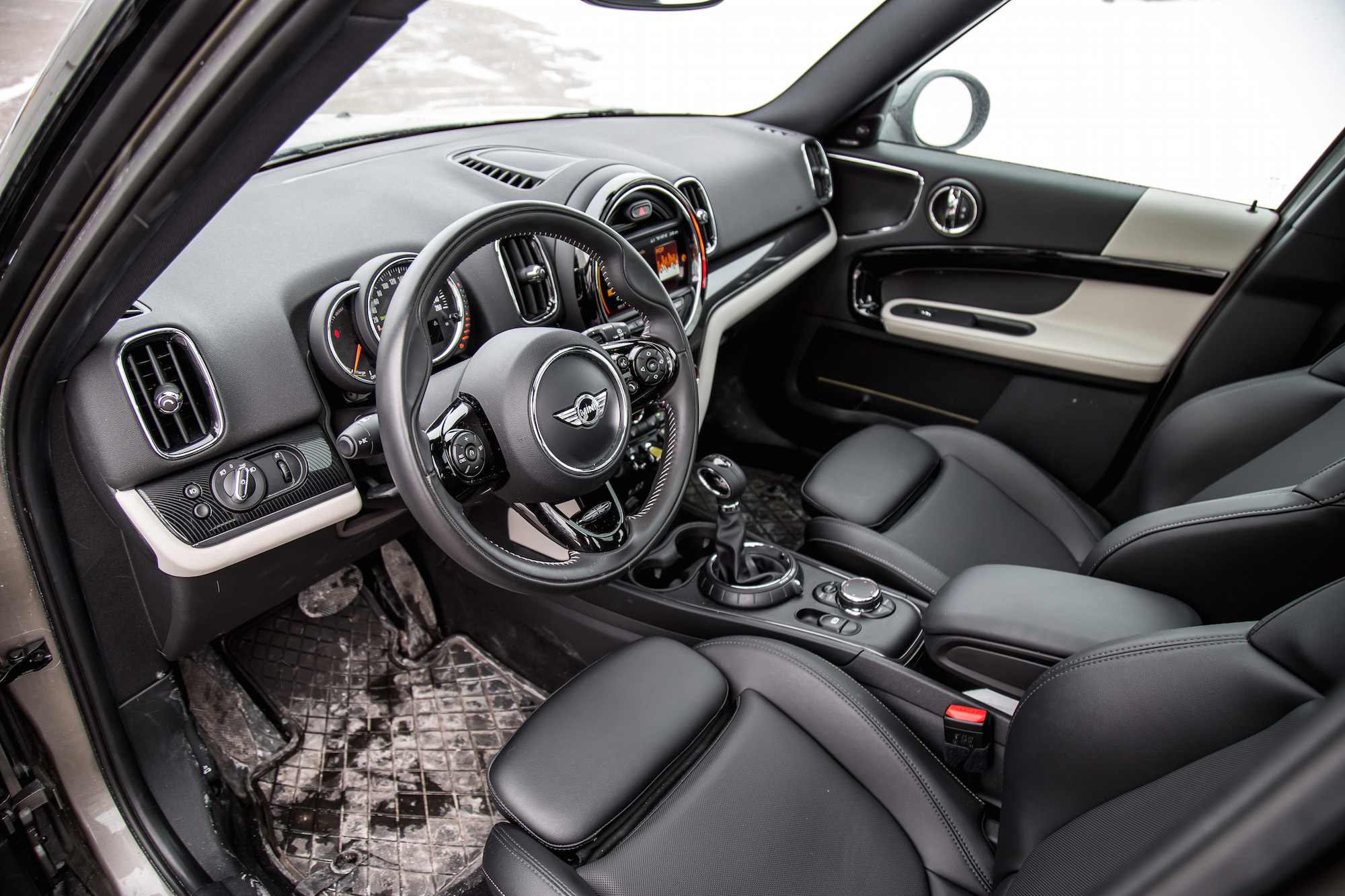 review 2018 mini cooper s e countryman all4 canadian auto review. Black Bedroom Furniture Sets. Home Design Ideas